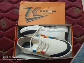 Sports shoe , unused, received it on Jan 8,size -9