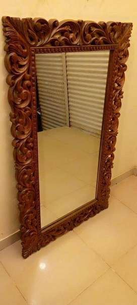 Tgsc Designs Brand new Pure Sheesham wood mirror in Excellent carving.
