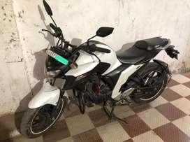 Fz25 250 cc best condition bike company complete
