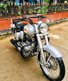 ROYAL ENFIELD CLASSIC 350 SUPERMINT