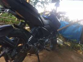 Class of vehicle:bajaj motorcycle.   Colour of body:blue.