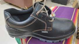 Safety shoes Versatile