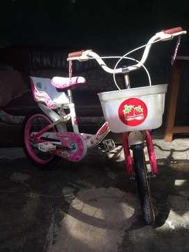 Sepeda anak warna pink