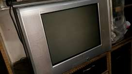 "Sony trinitron 21"" with 3d Woofer 8500"