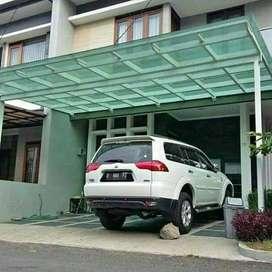 Kanopi kaca dijamin kuat dan lindungi mobil anda dari hujan dan panas