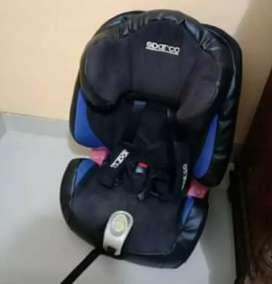 kursi mobil untuk anak