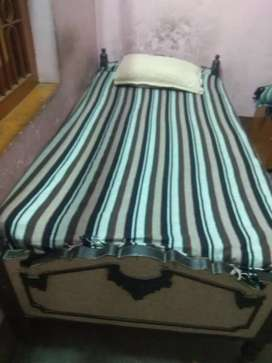Shagun wood  single bed mattress