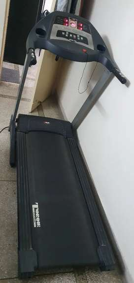 Treadmill - Automatic - in very good condition