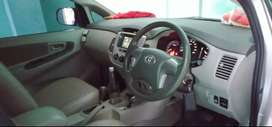 Dijual Toyota Kijang Innova 2.0 G Tahun 2013 Akhir