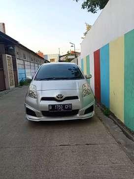Toyota Yaris Type J A/T Silver