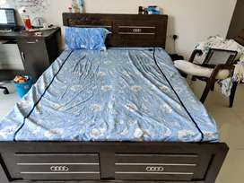 Queen size bed - Moving out furniture Sale