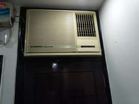 O general window AC excellent condition. Cooling excellent
