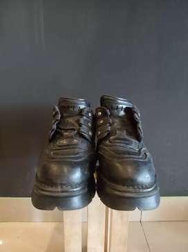 Sepatu newrock ori