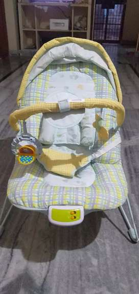 Baby Bouncer with Soothing Vibration and Music