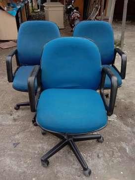 Kursi staff warna biru