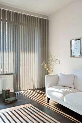 Pusat vertikal blinds kantor
