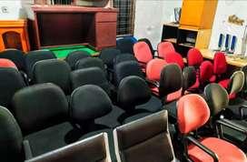 Berbagai macam kursi kantor