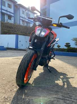 2017dec model ktm duke 390 for sale in mint condition.