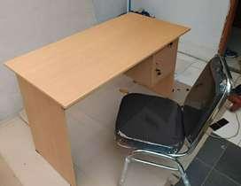 1 set meja tulis kantor + kursi