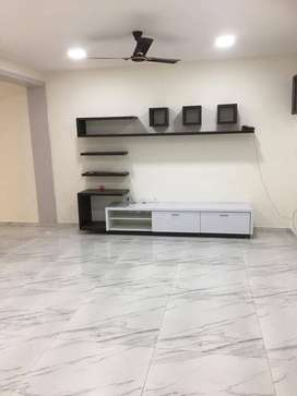 3 bed room , 5 bath rooms Semi Furnished flat for rent