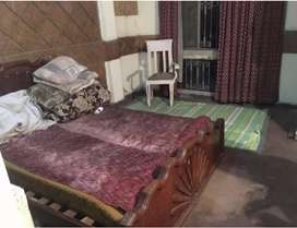 Rooms for rent only for bachelors