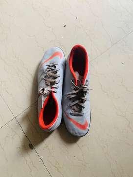 NIKE MERCURIAL FOOTBALL STUDS