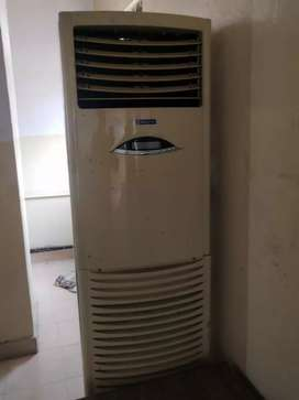 2.5 Ton TOWER A/C including Copper pipe with Stabilizer, Bluestar
