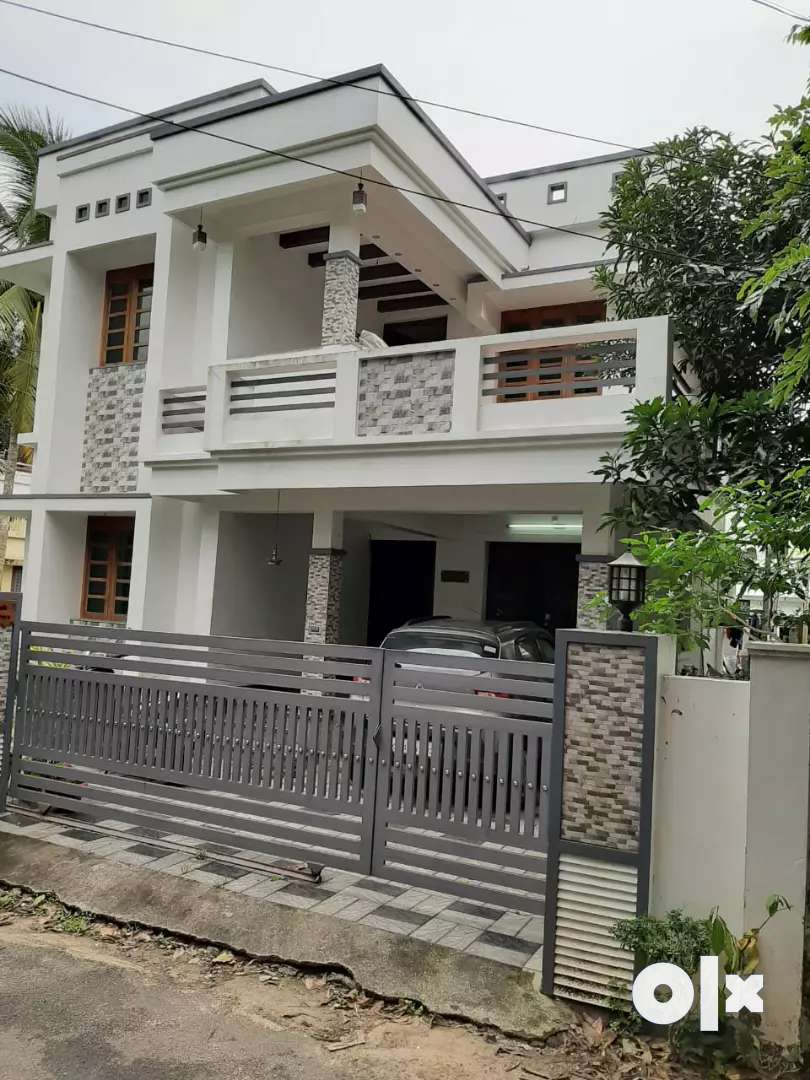 4.bhk 2100 sqft 5 cent new build posh house at north paravur area 0