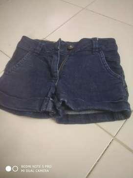 Girls short jeans