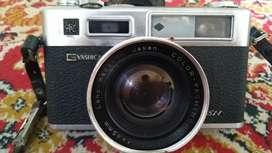 beautiful Yashica Electro 35 vintage camera made in Japan 1960s