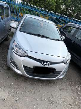 I20 magna diesel scratchless. Silver colour