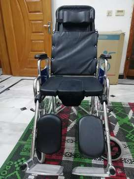 WHEEL CHAIR COMMODE FULL RECLINING