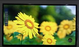 42 inches Smart Led tv ( free wall mount)