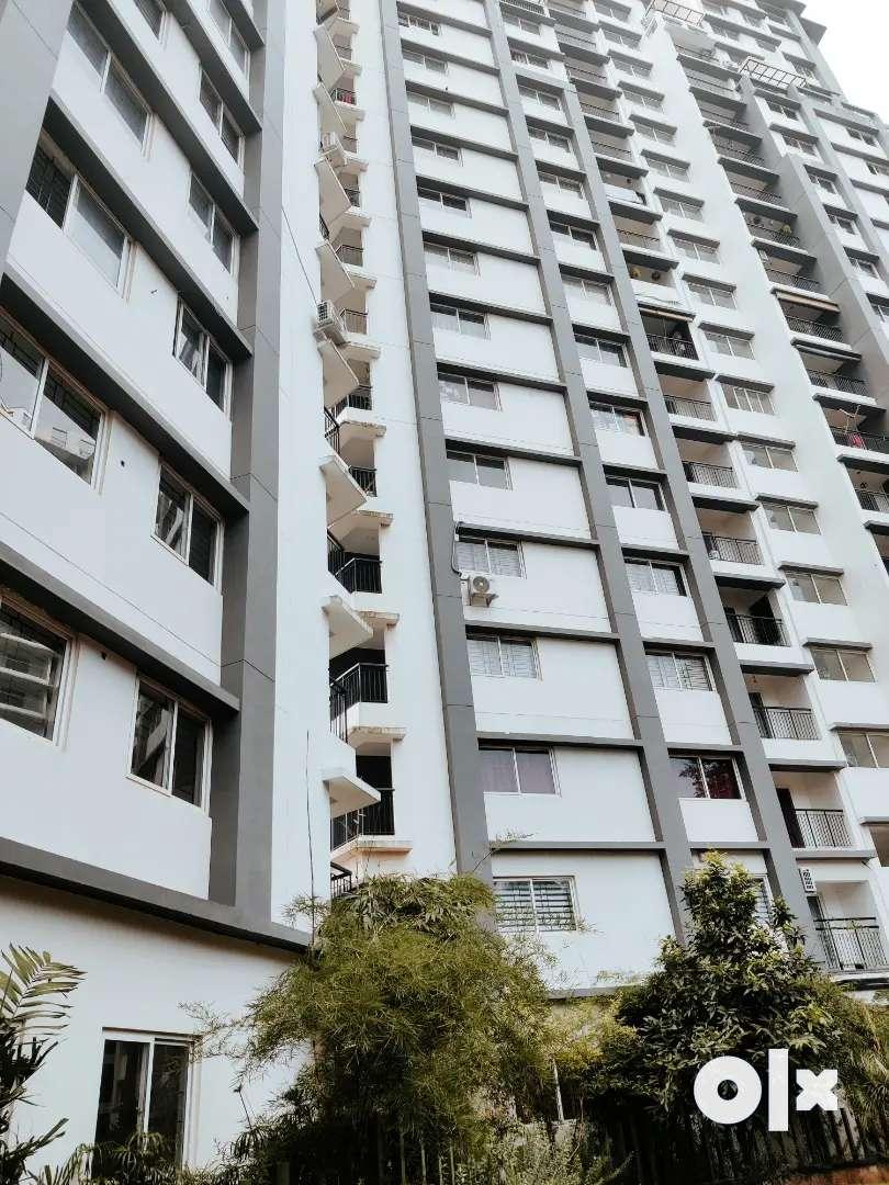 2 BHK semi furnished flat for rent at  near karaparambe 0