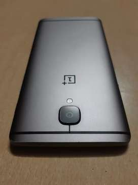 6 128 gb.Want cash URGENTLY 2 buy another. Has Checkng wrnty.*Genuine*