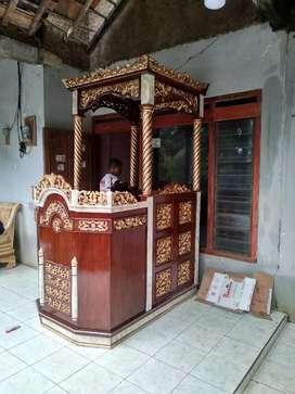Mimbar masjid kubah bahan kayu jati model elegan