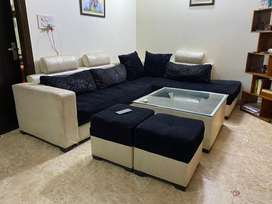 6 seater L shaped sofa in very good condition