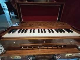 Brand New Unused proffesional kolkata made Harmonium at Cheap rate,