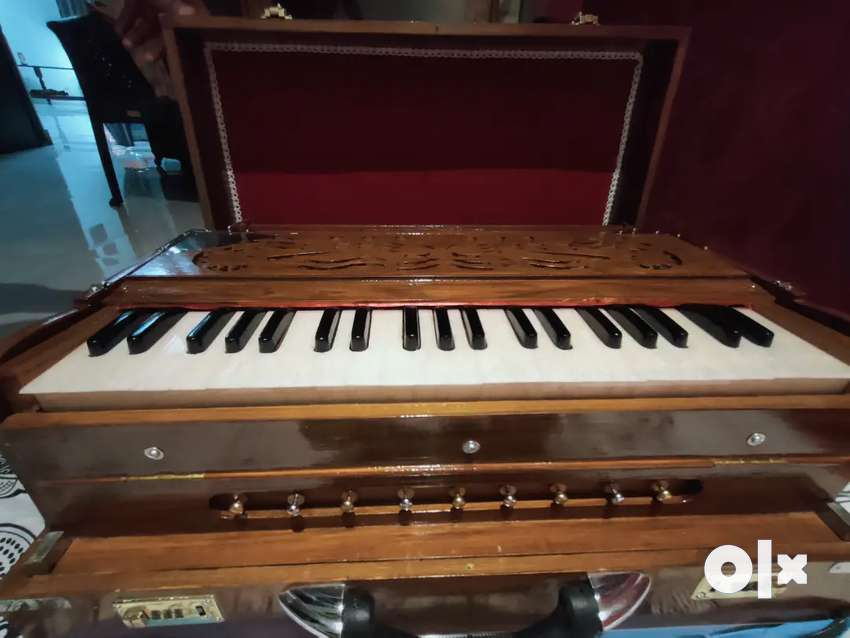 Brand New Unused proffesional kolkata made Harmonium at Cheap rate,