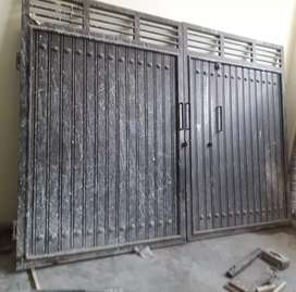 Main gate for sale in good c0ndition