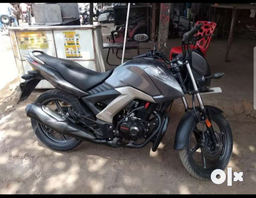 Well maintained bike new tyre new battery and smoth running bike. 0