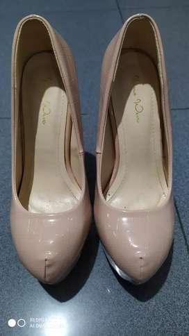 Sepatu heels cewek nine west like new