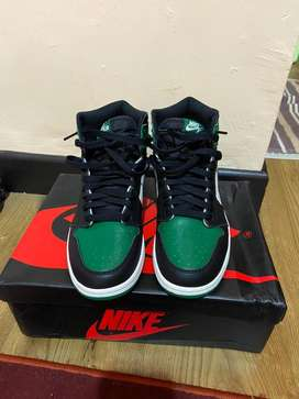 Nike Air jordan 1 pine green og size us 8(41)