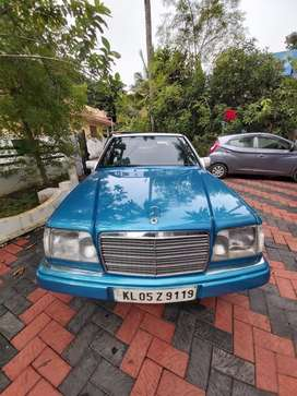 Benz 124 E220 petrol in neat Condition