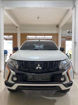 Mitsubishi Strada Triton Athlete 2.5 AT 4x4