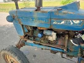 Ford bilkul saff a gear box ,te lift da kam hoya  engine bilkul saff a