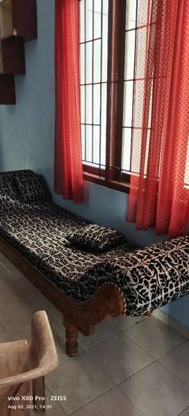 2  BHK FURNISHED FLAT FOR RENT IN JAGATHY.