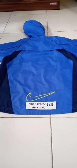 jaket Nike mulus
