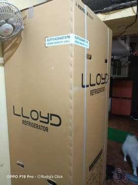 LLOYDS FROST FREE REFRIGERATOR  2 DOOR 252L