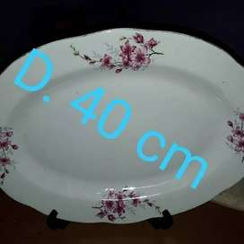 Piring Oval atau Lodor Motif Bunga Sakura Kuno